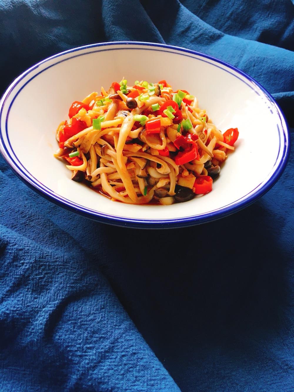 凉拌手撕海鲜菇的做法_【图解】凉拌手撕海鲜菇怎么做