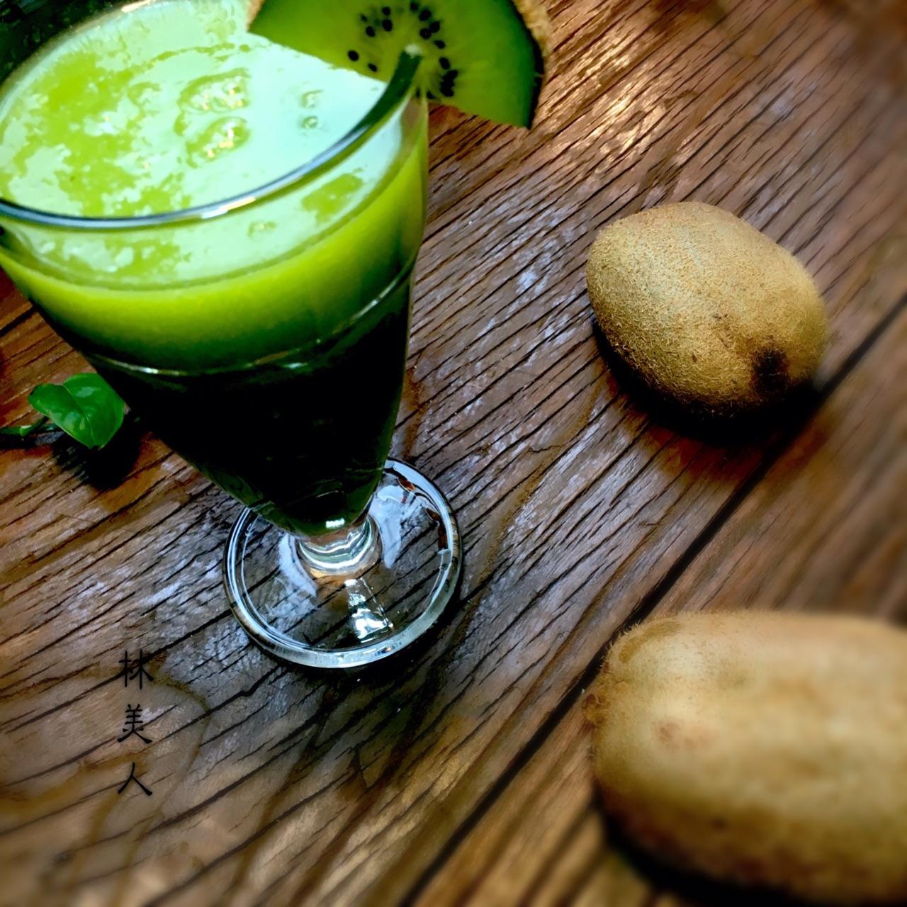 绿心猕猴桃汁的做法步骤