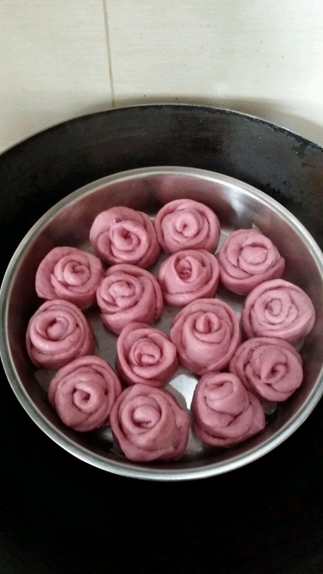 紫薯玫瑰花卷的做法_【图解】紫薯玫瑰花卷怎么做