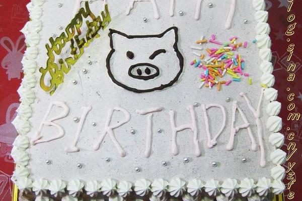 可爱小猪生日蛋糕的做法