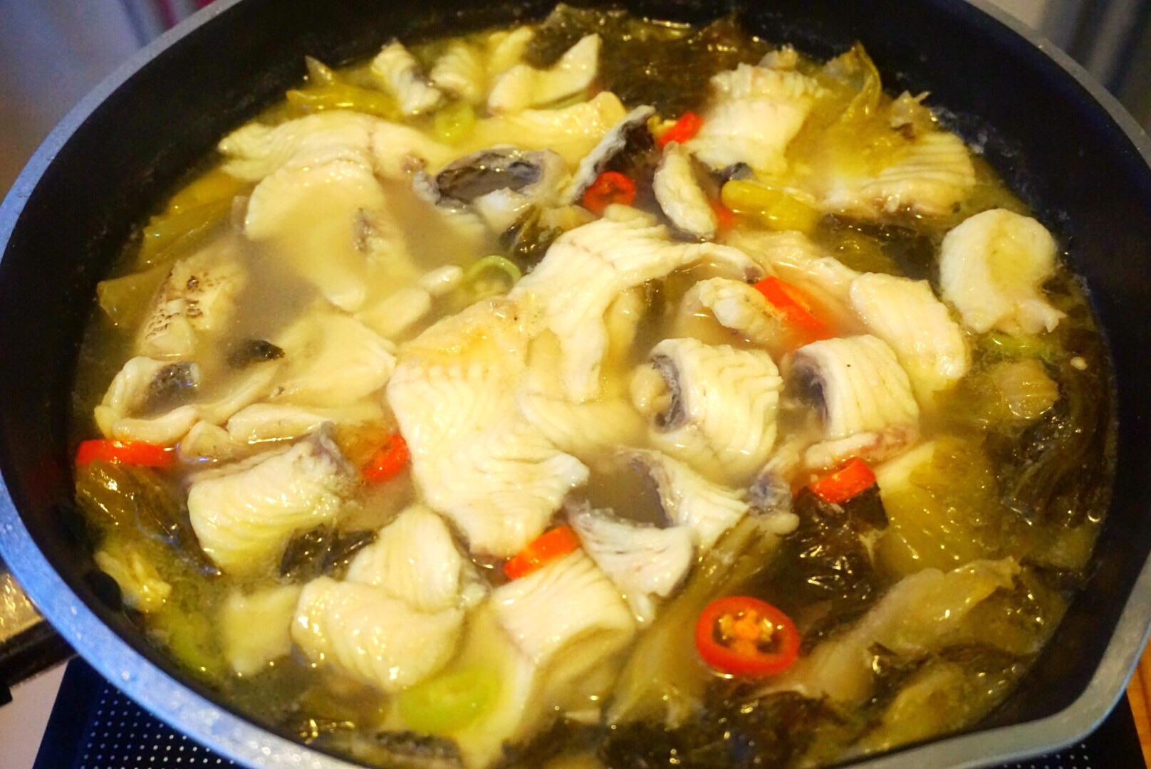 家常酸菜鱼的做法图解15