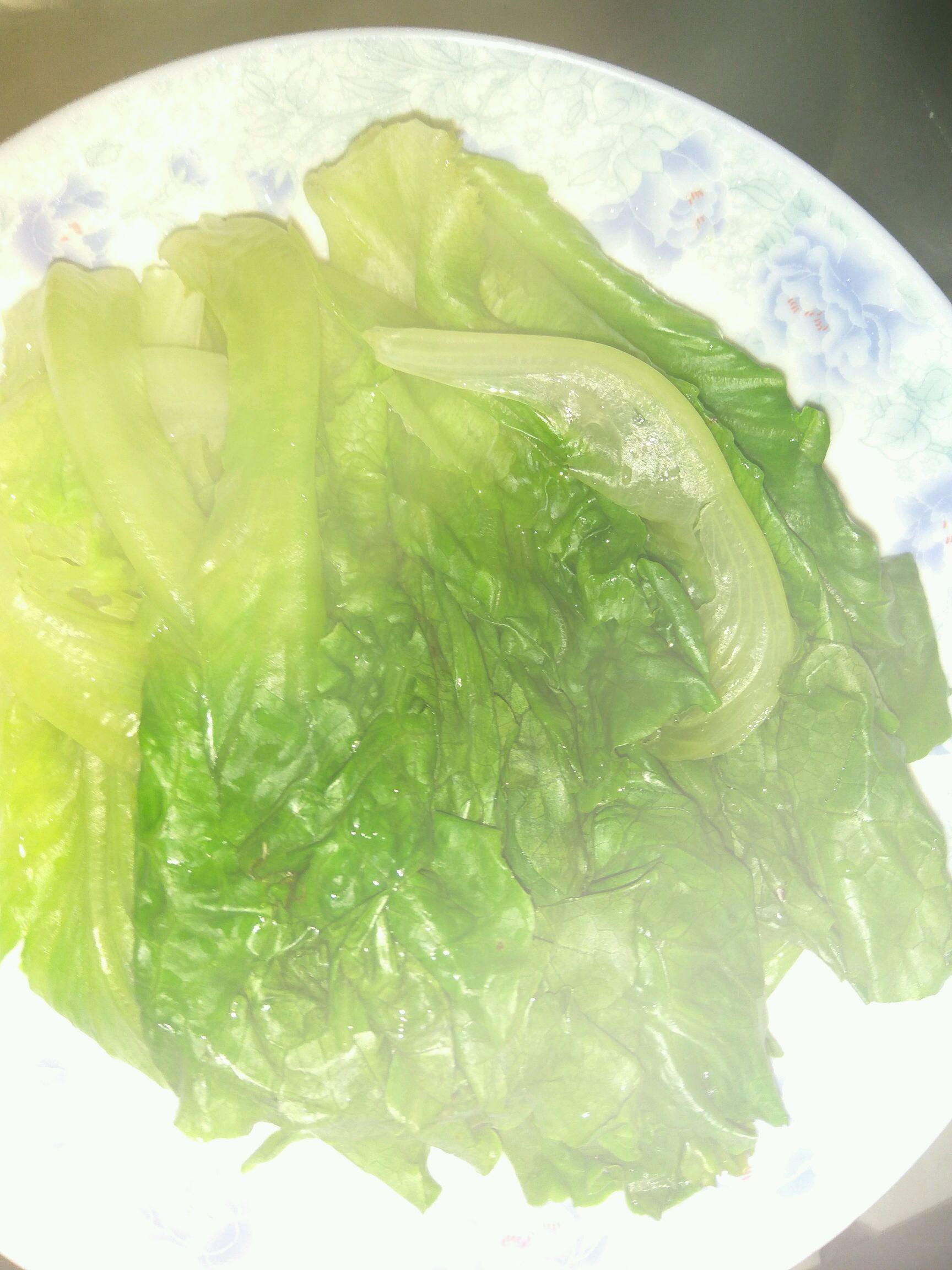 生菜盖浇虾的做法步骤
