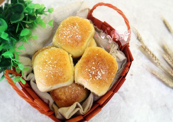 淡奶油椰香肉松软面包