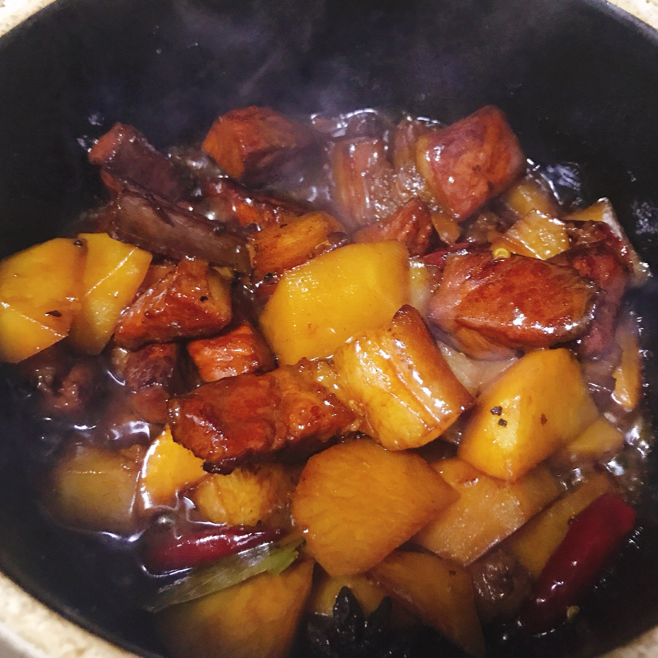 红烧肉炖土豆豆角_红烧肉炖土豆家常做法-