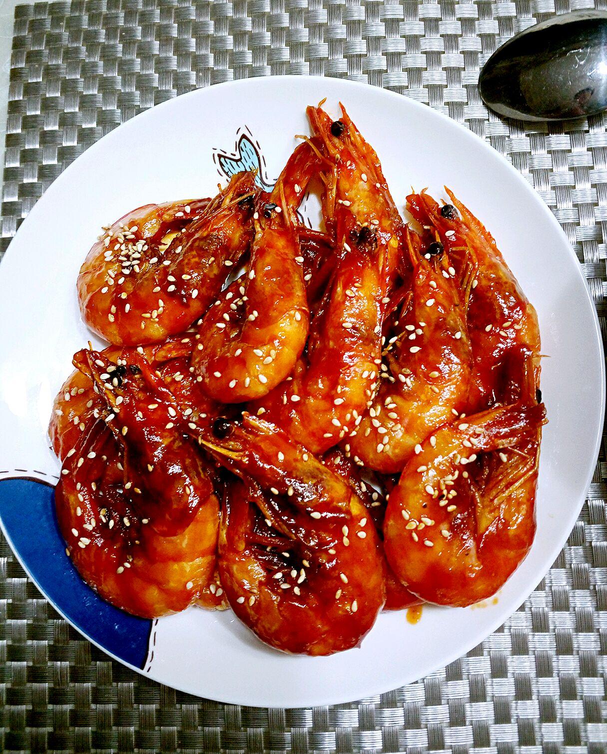 切墩(初级)   时间:10分钟左右       主料 大虾适量 番茄酱适量 糖图片