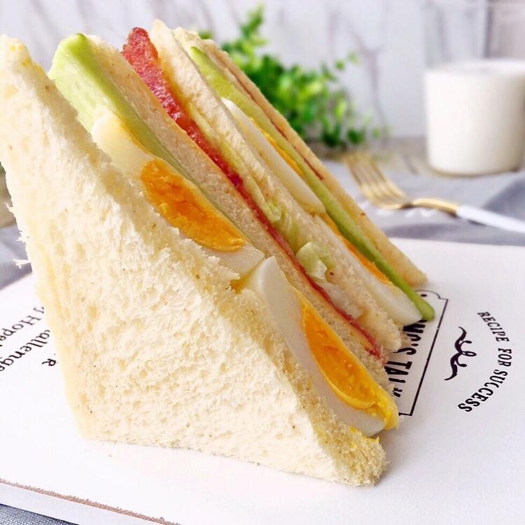 芝士鸡蛋培根三明治#百吉福食尚达人#的做法步骤 小贴士 培根可以换成