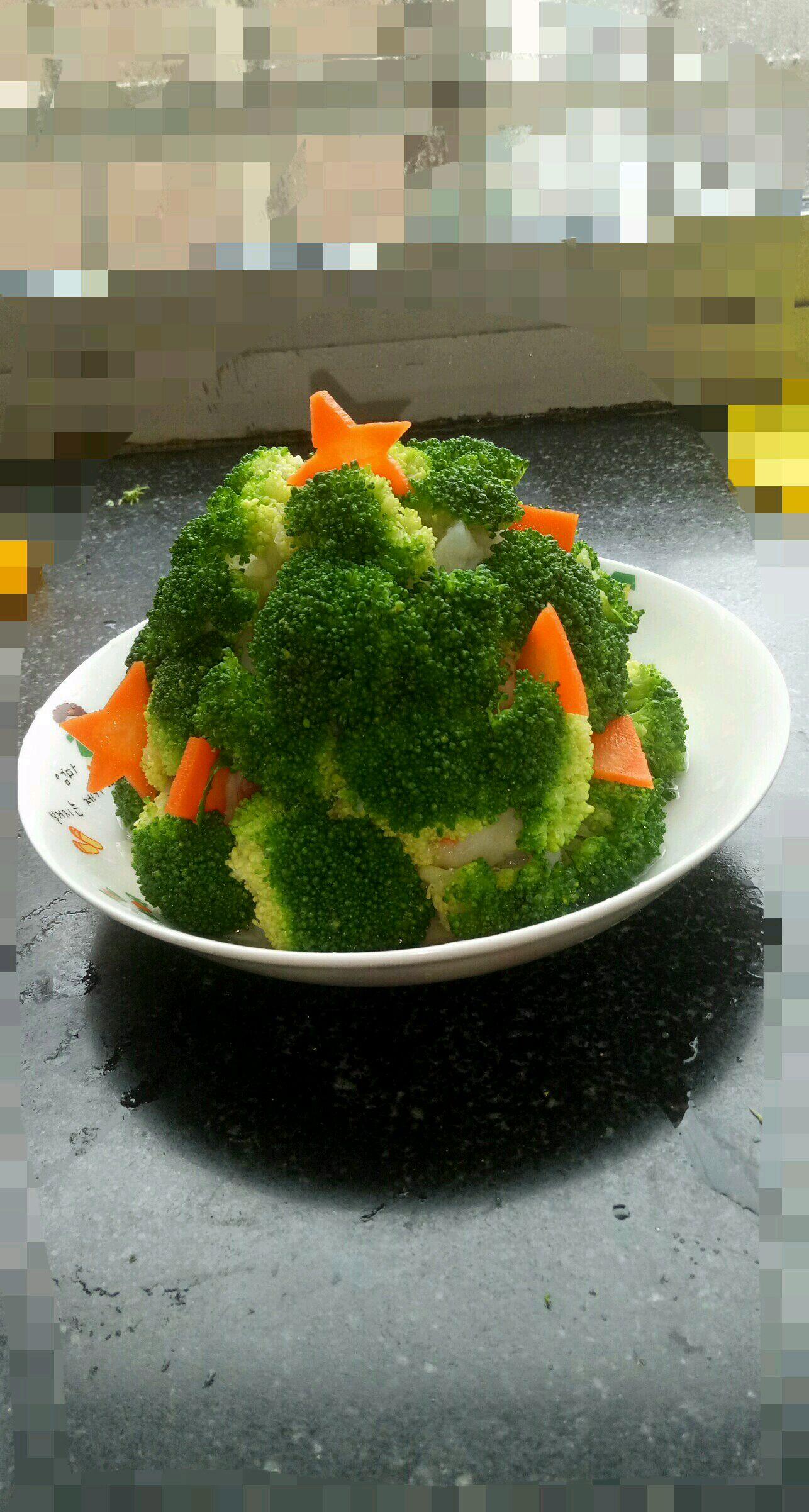 西兰花,又名绿菜花,为1-2年生草本植物,原产于地中海东部沿岸地区,目前我国南北方均有栽培,已成为日常主要蔬菜之一。西兰花营养丰富,含蛋白质、糖、脂肪、维生素和胡萝卜素,营养成份位居同类蔬菜之首,被誉为蔬菜皇冠。