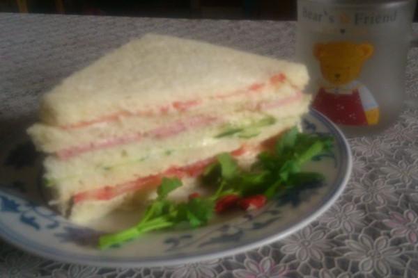 赖人三明治的做法