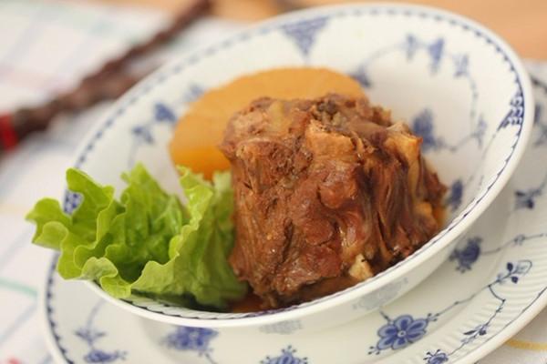 炖羊土鸡香菇炖蝎子煲汤图片