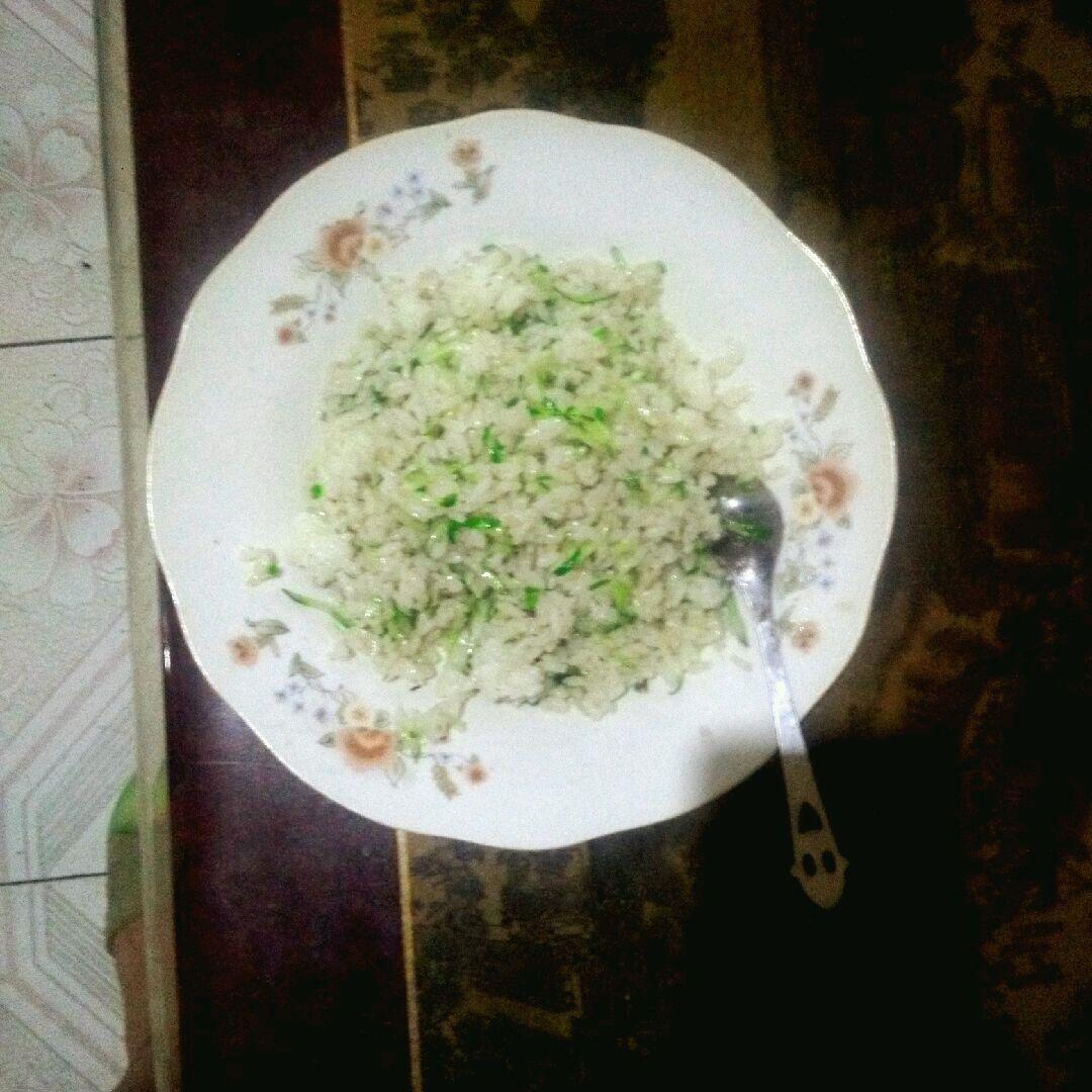 主料 少量 1只 1碗 炒米饭的做法步骤