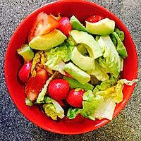 营养瘦身两不误-牛油果沙拉