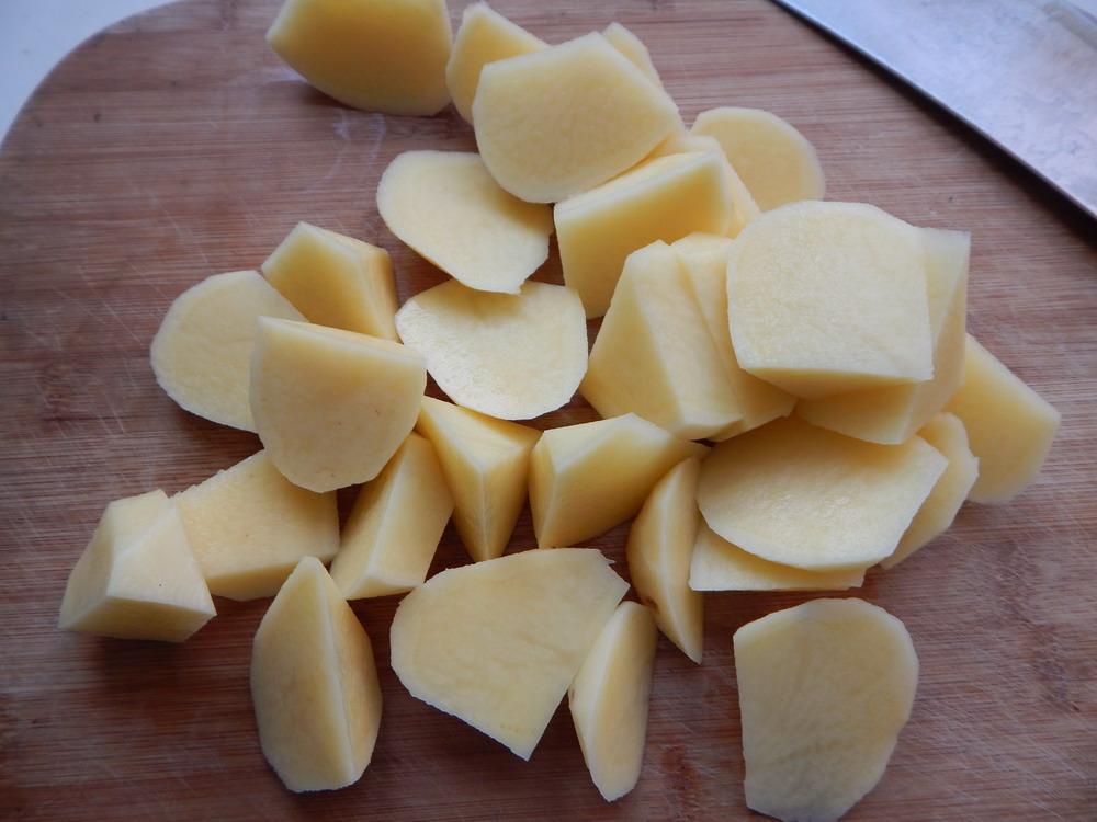 咖喱鸡块烧土豆的做法步骤
