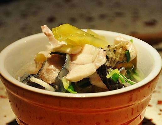 咸菜鱼片的做法