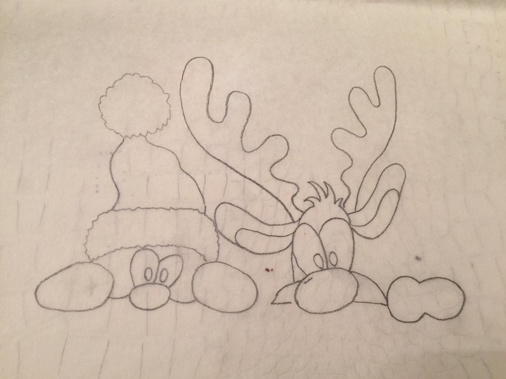 油纸上用食用铅笔画好设计稿