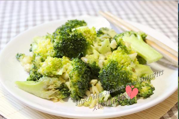 简单美味的减肥菜——蒜蓉西兰花的做法