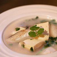 【三文鱼头豆腐汤】又美容又健康