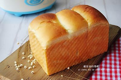 东菱酸奶机之酸奶蜜豆土司