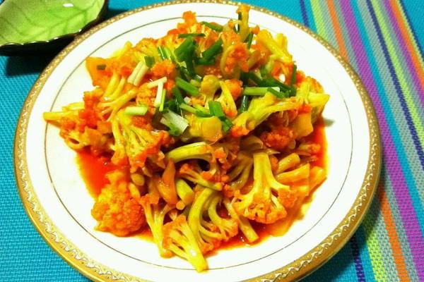 菜花1斤 葱姜蒜适量 亨氏番茄酱适量 香葱3棵 番茄菜花的做法步骤