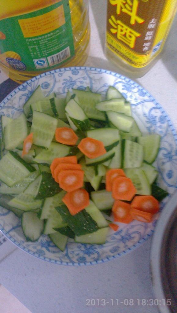 黄瓜胡萝卜切片