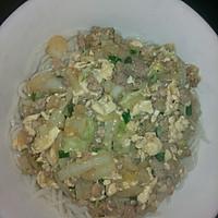鸡蛋白菜肉末盖浇面