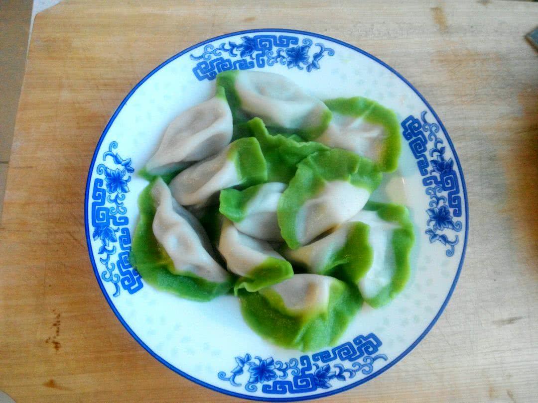 白菜(百财)水饺的做法_【图解】白菜(百财)水饺怎么做