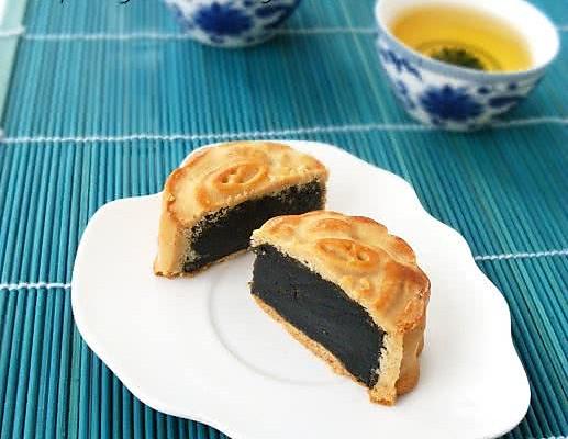 黑芝麻馅月饼的做法_【图解】黑芝麻馅月饼怎么做如何