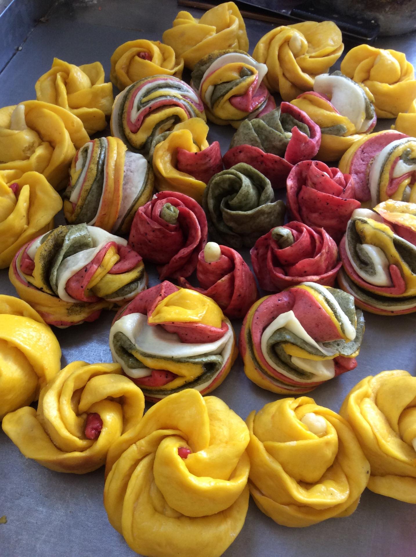 各种玫瑰花卷的做法图解5