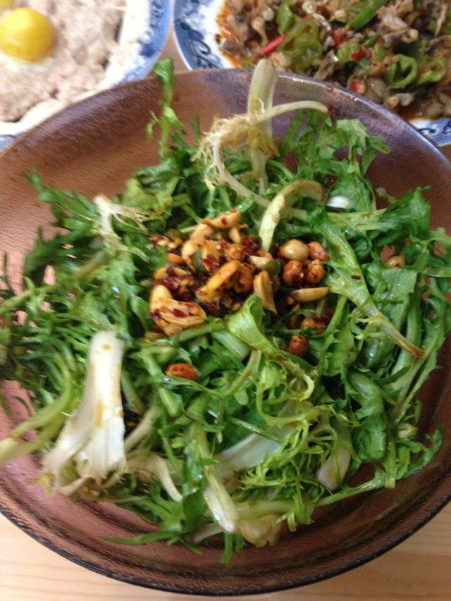 主料 苦苣叶 辣八宝 李锦记凉拌汁 呛拌苦苣叶的做法步骤