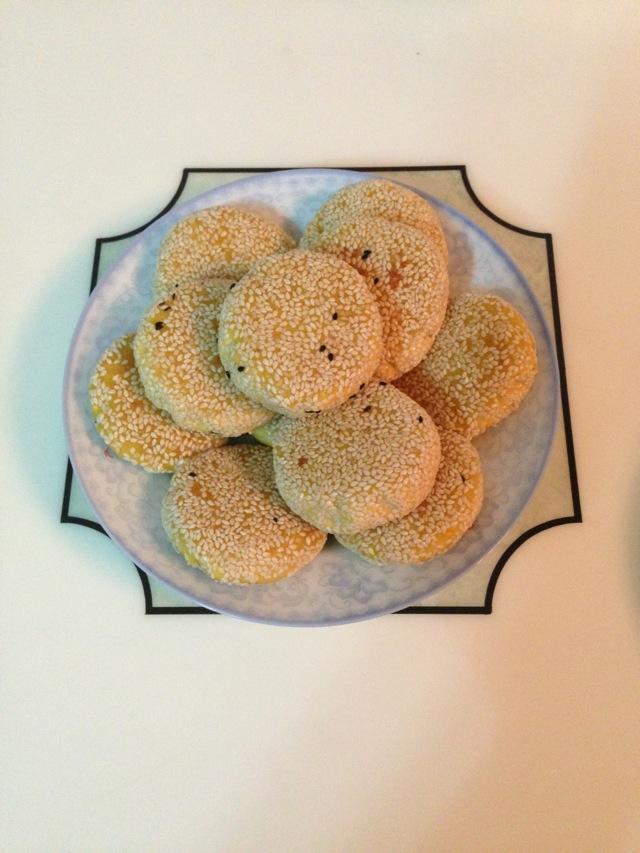 南瓜芝麻饼的做法_芝麻红豆沙南瓜饼的做法_【图解】芝麻红豆沙南瓜饼怎么做如何