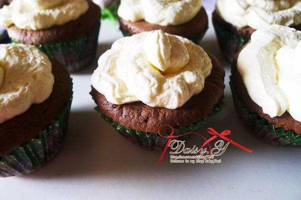 巧克力奶油小蛋糕的做法
