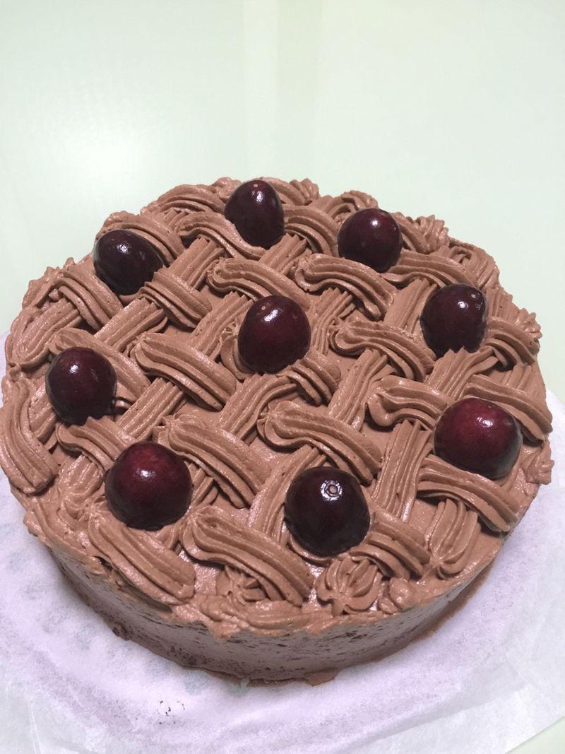 蛋糕用30g 低筋粉50g 鸡蛋5个 色拉油45g 牛奶75g 黑巧克力100g 动物