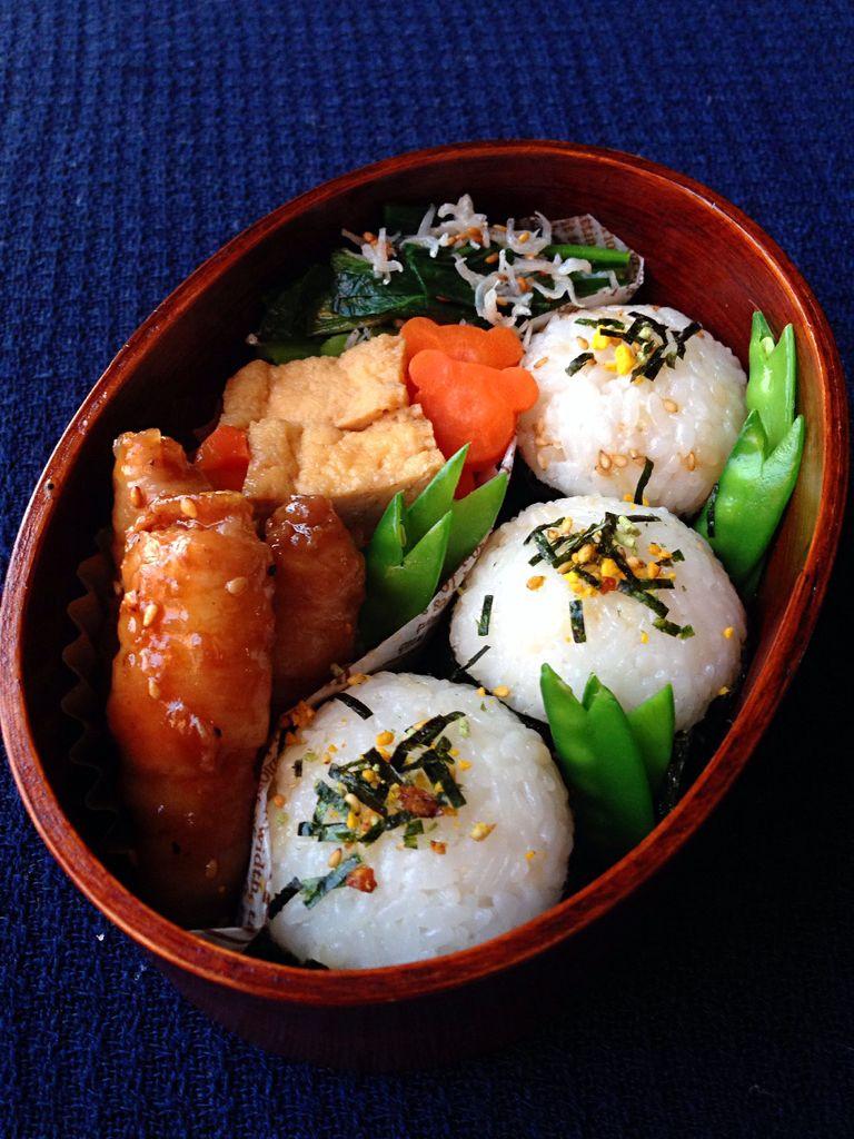 豬肉卷和飯糰的午餐便當的做法_【圖解】豬肉卷和 ...