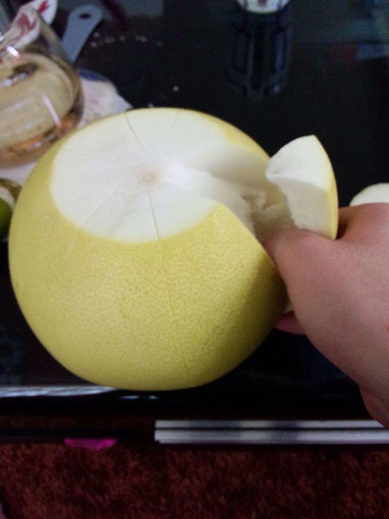 柚子水果拼盘步骤