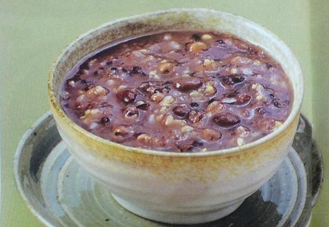 炒菜煲汤临锅时加入提鲜不口干 杂粮红豆粥的做法步骤 1.