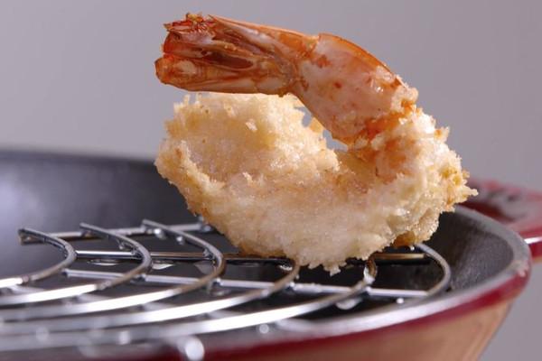 炸大虾独家秘方,酥脆惊艳!的做法