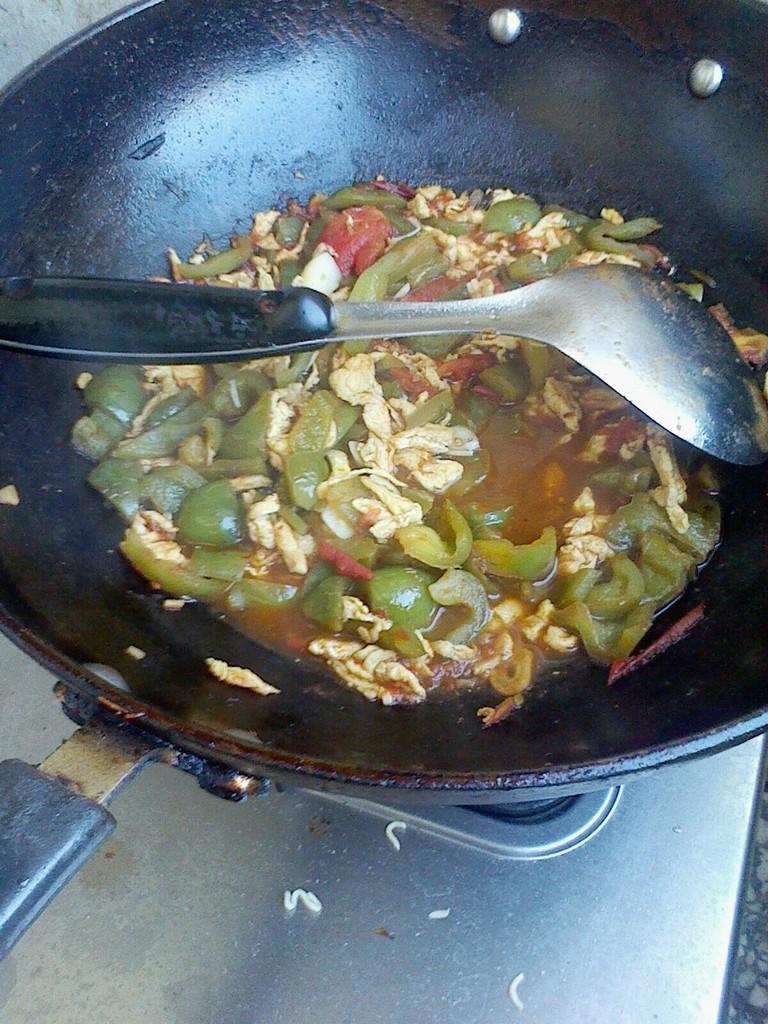 做法西红柿小葱浇面卤的青椒鸡蛋煎鸡蛋图片