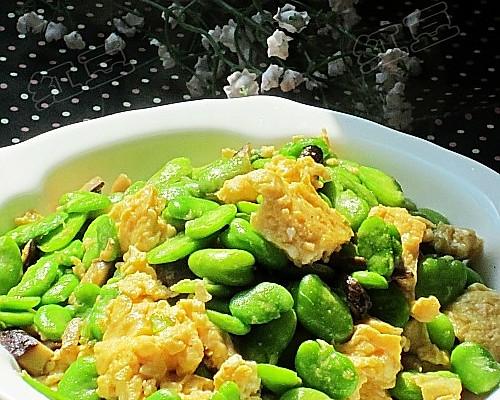 蚕豆香菇炒鸡蛋的做法