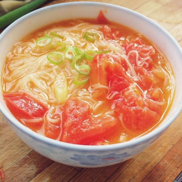 我这样的小可爱的西红柿挂面汤做法的学习成果照_豆果