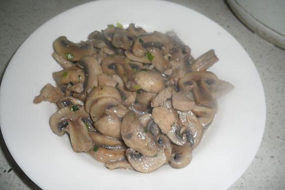 豉香口蘑炒肉片的做法