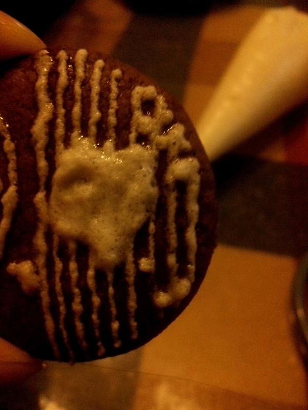 【手绘蕾丝饼干】可爱的你。可曾有一个美丽的梦的做法