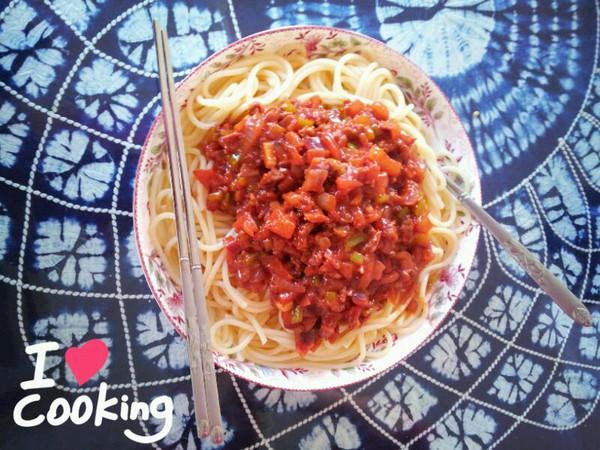 蕃茄蘑菇肉酱意大利面的做法