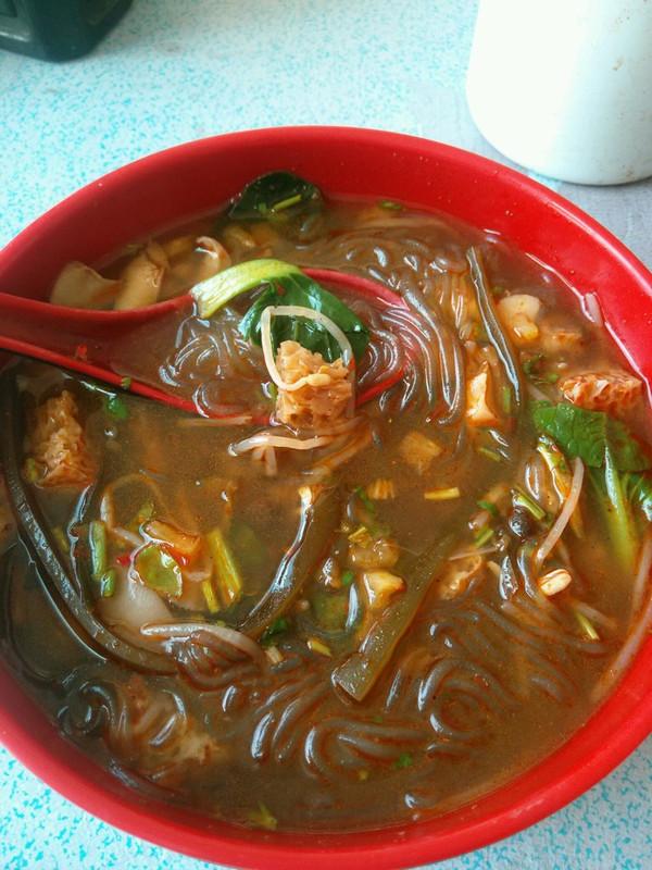 一刻钟做出一锅靓汤——简易版鸭血粉丝汤的做法