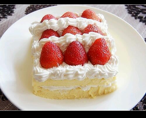 奶油草莓蛋糕的做法