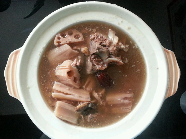 排骨莲藕汤的做法