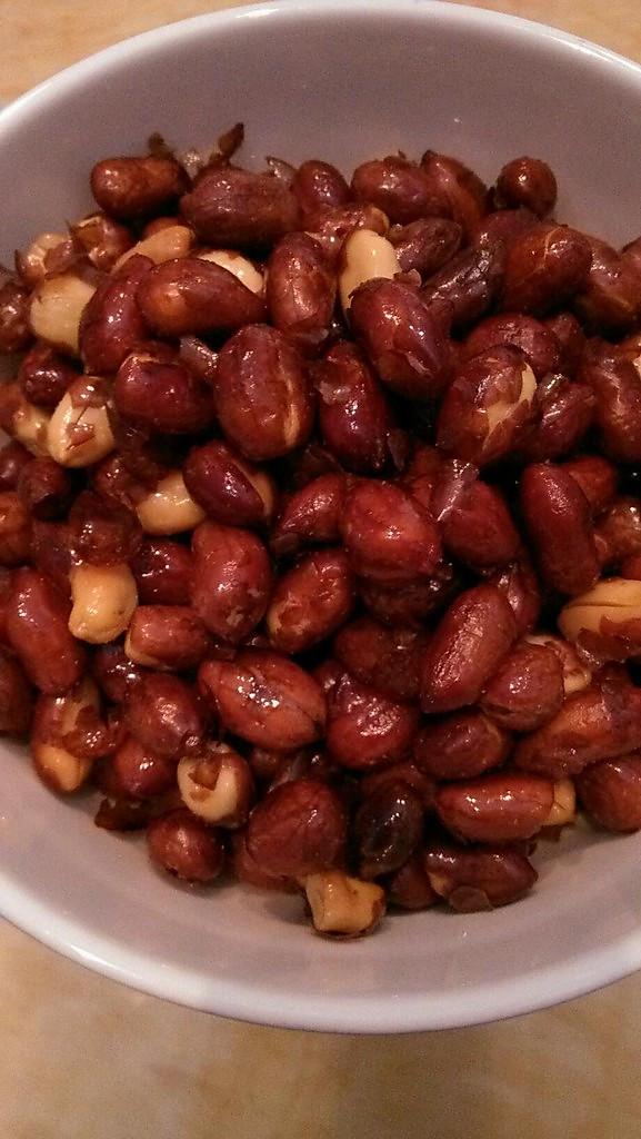 自制美味零食——麻辣花生的做法