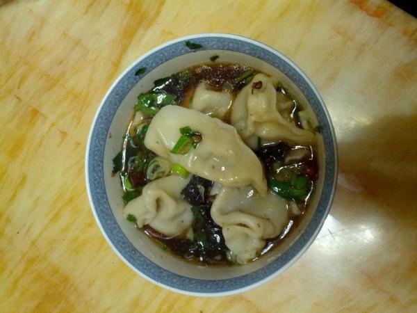 酸汤饺子的做法