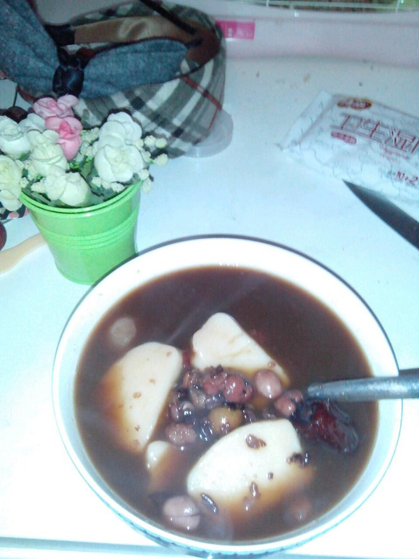 冰糖红豆年糕桂圆糖水的做法