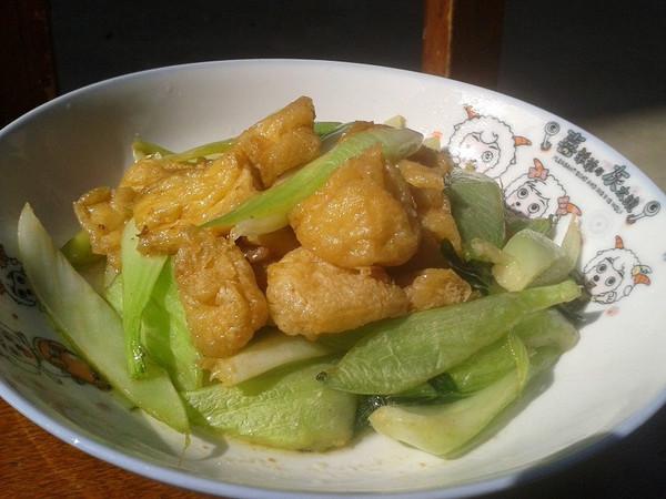 炖青菜油豆腐的做法