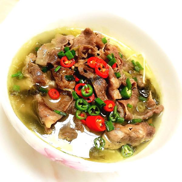 有皮皮没v皮皮之厨神的酸汤天赋丨酸酸辣辣超开肥牛虾和猕猴桃一起吃图片
