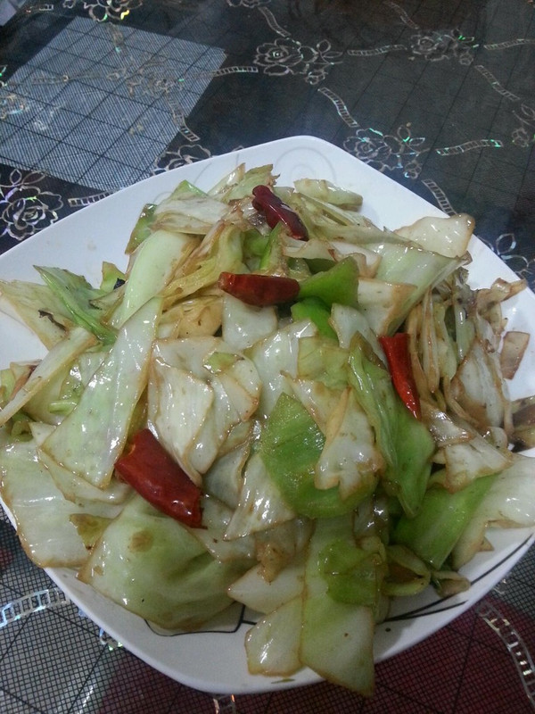 炝炒圆白菜 的做法